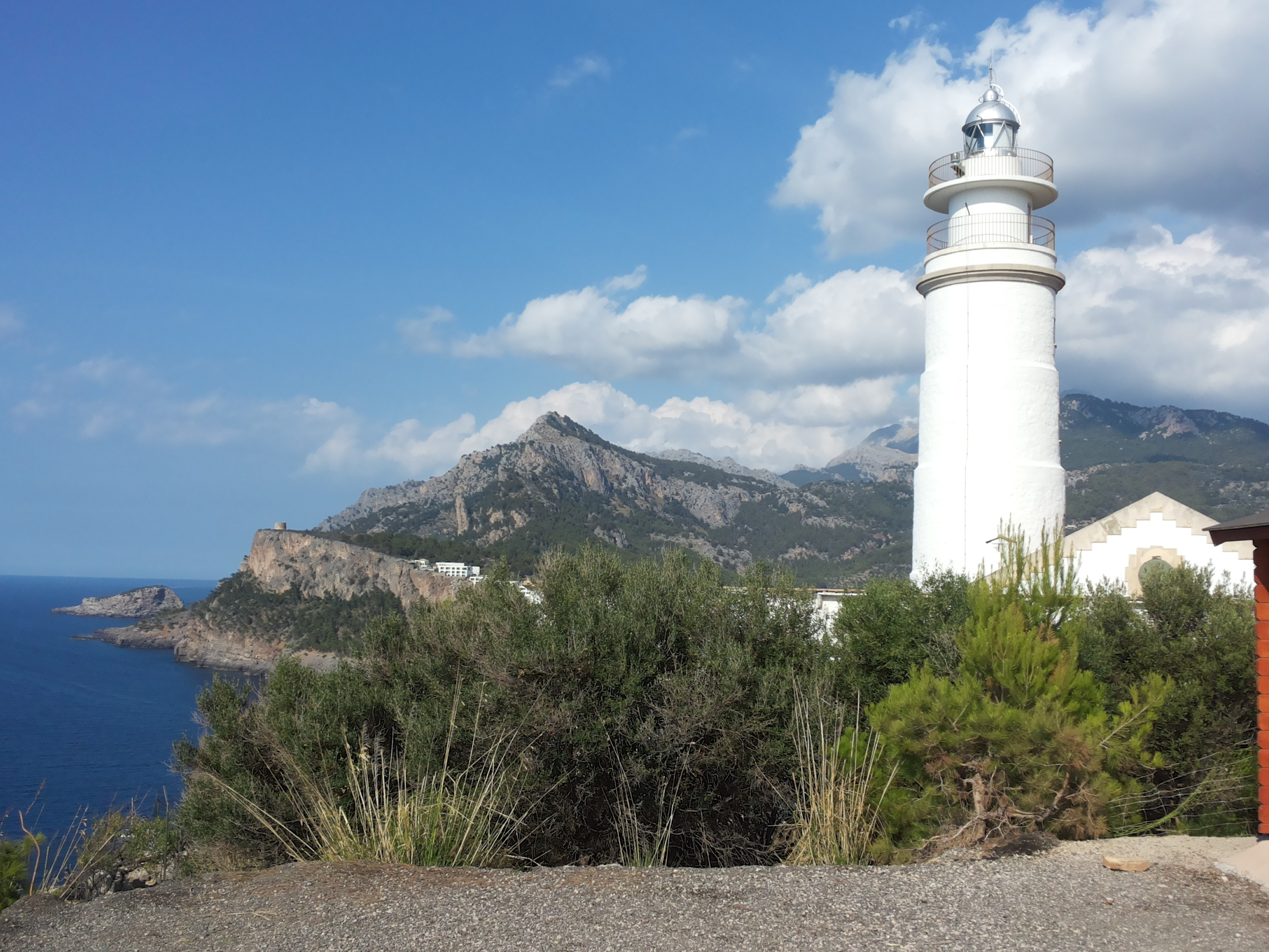hiking around soller, majorca