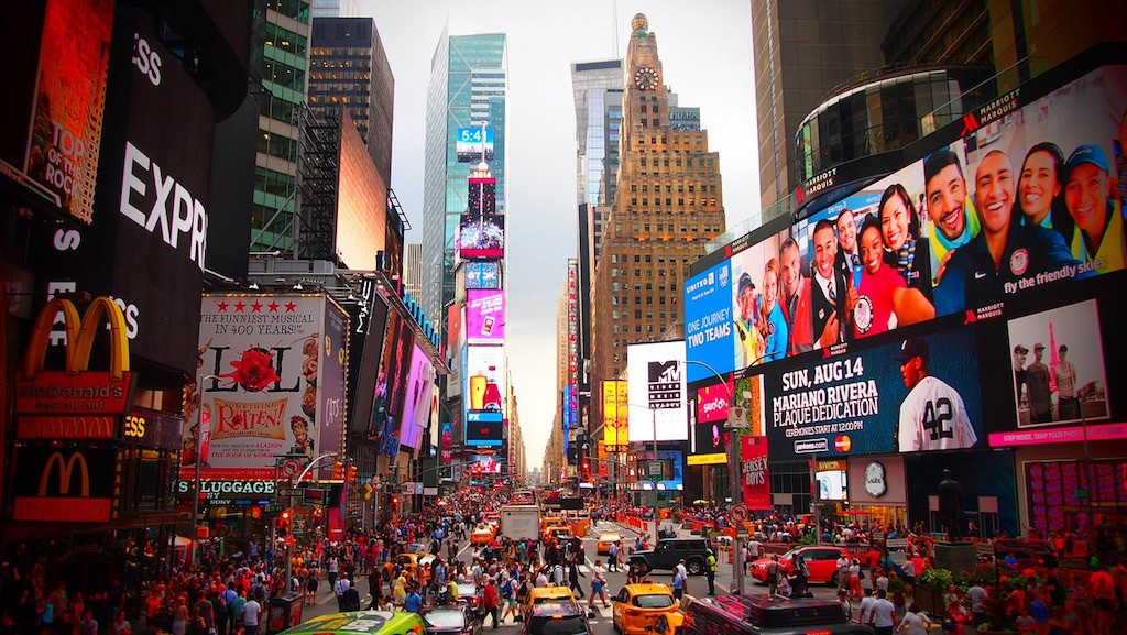 insiders guide to NYC: see a broadway show