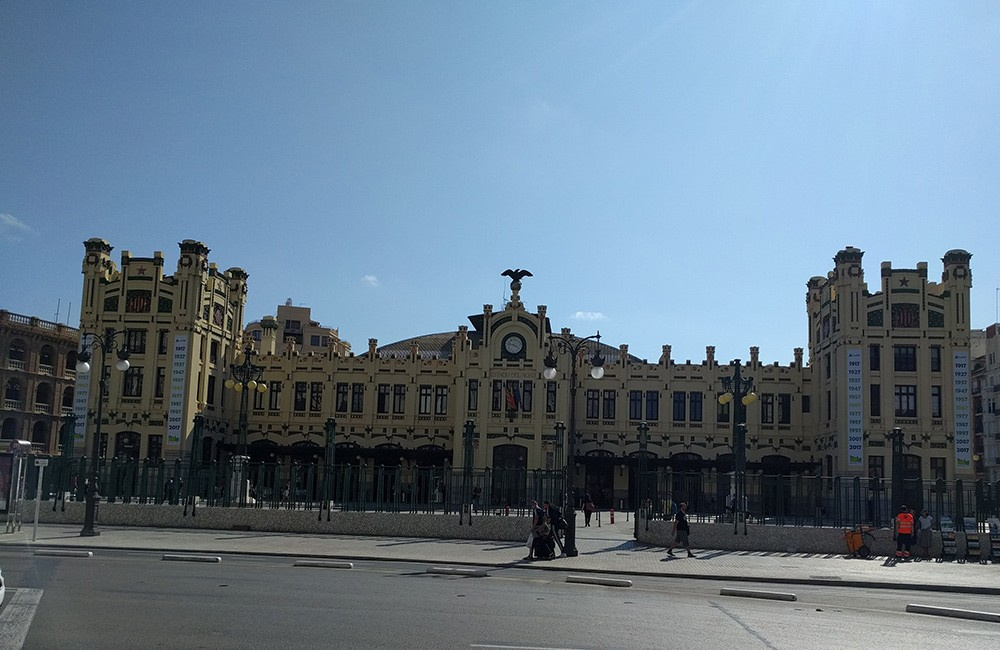 What to do on a short trip to Valencia: visit the central train station