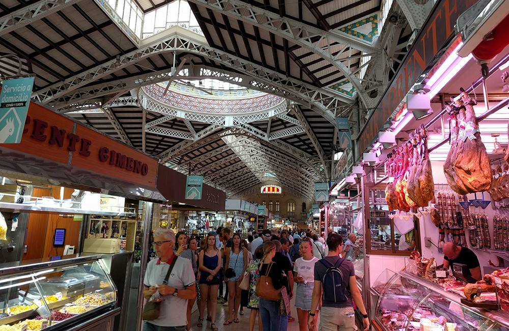 Valencia things to do: go to the central market