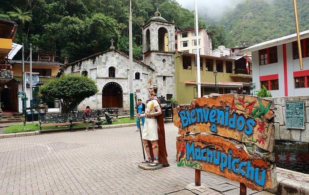 Aguas Calientes - how to travel to Machu Picchu