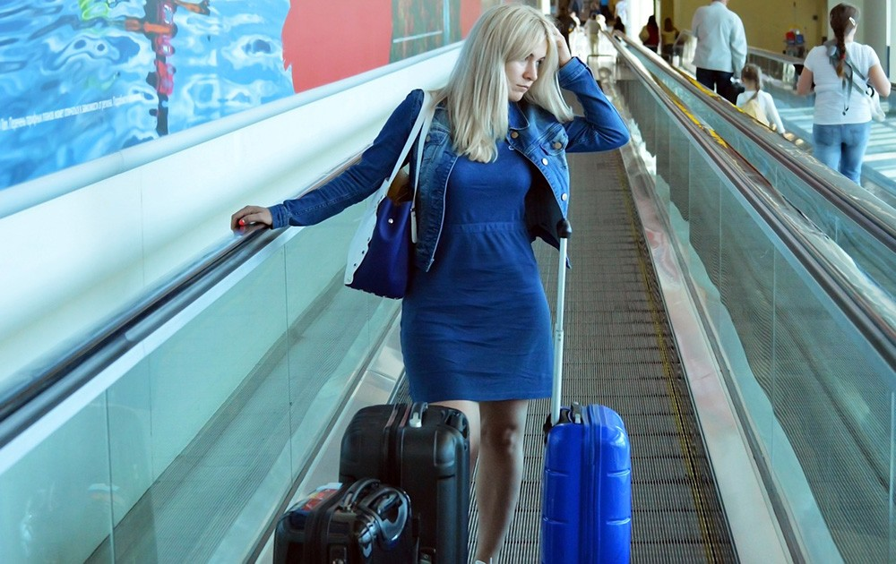 Handling luggage - How to stay healthy while traveling