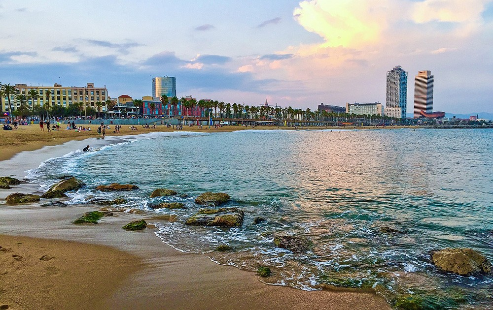 Barcelona's beautiful beach - Barcelona life