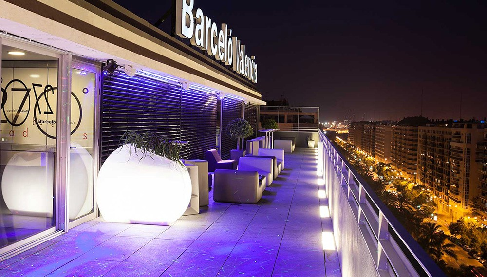 Rooftop bars in Valencia: Sky Bar at Barceló Hotel