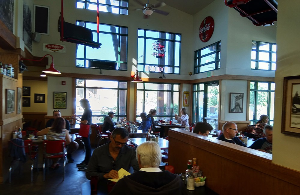 where to have breakfast in South Lake Tahoe: Red Hut