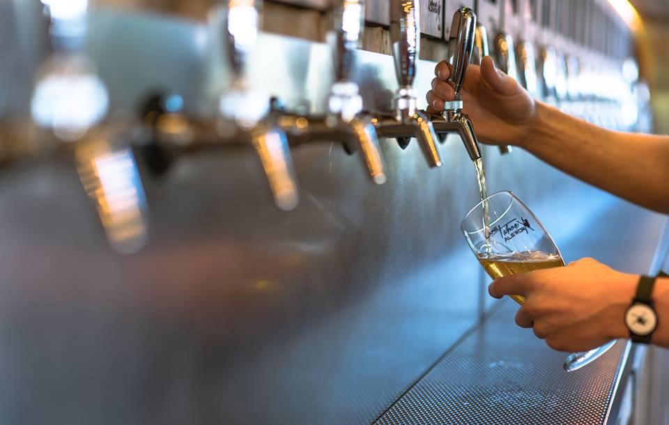 best bars in South Lake Tahoe: Tahoe AleWorx