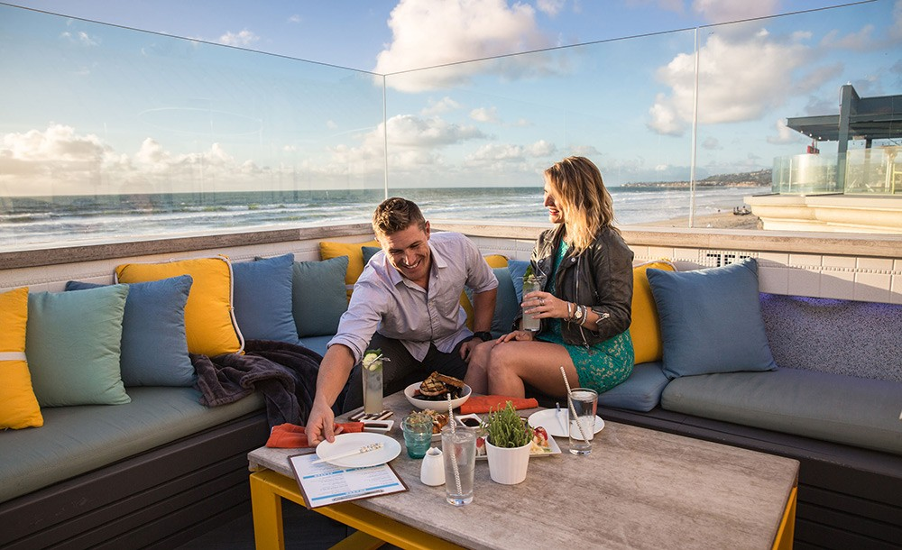 Best rooftop bar at Mission Beach, San Diego: Cannonbal