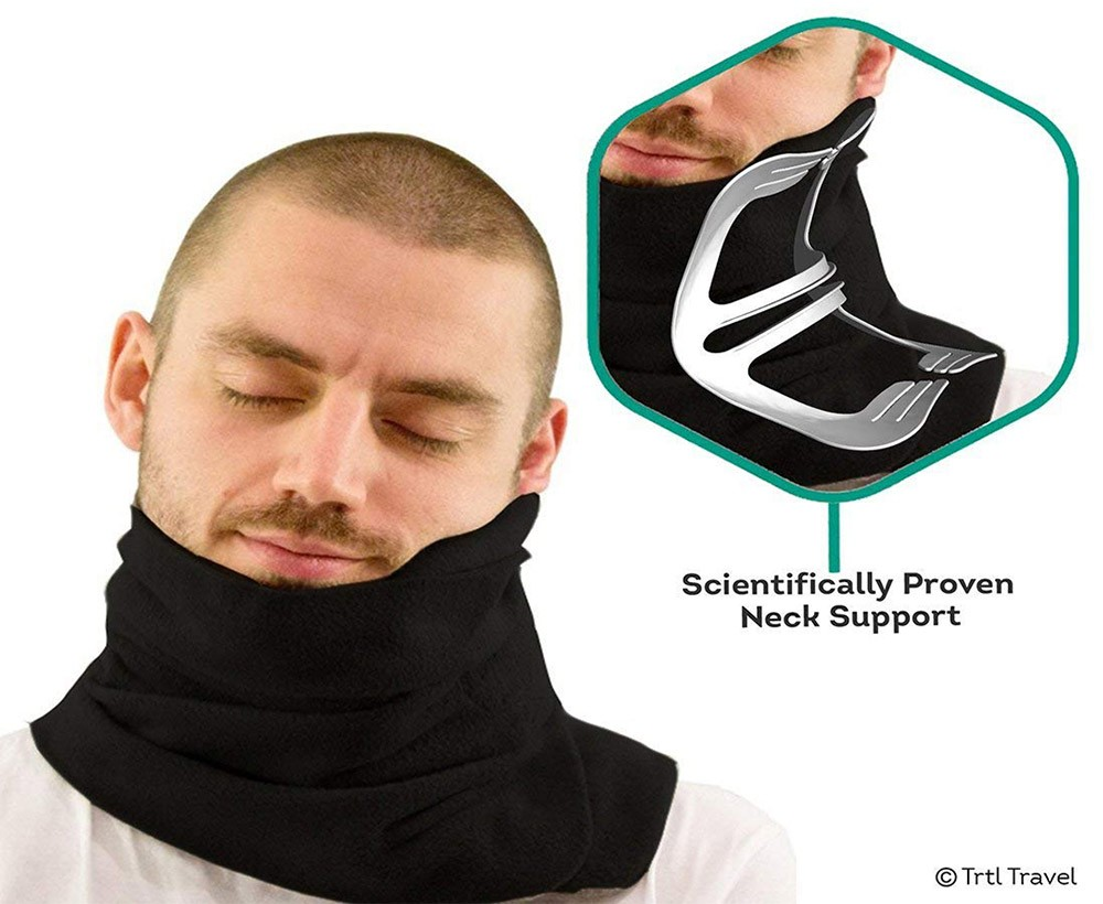 a practical gift idea for nomads: a neck pillow