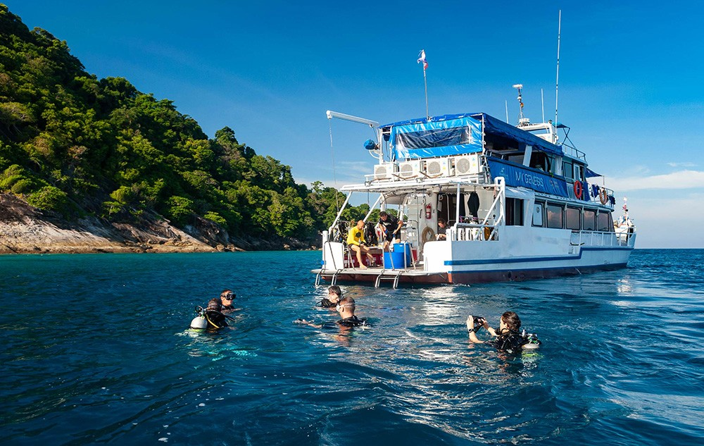 multi-day diving trips to the Similan Islands, Thailand