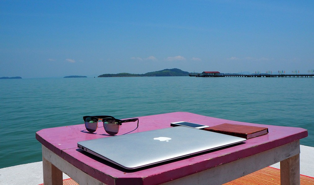 How to become a digital nomad - 7 useful skills