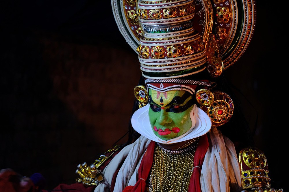What does Kerala offer tourists? Kathakali