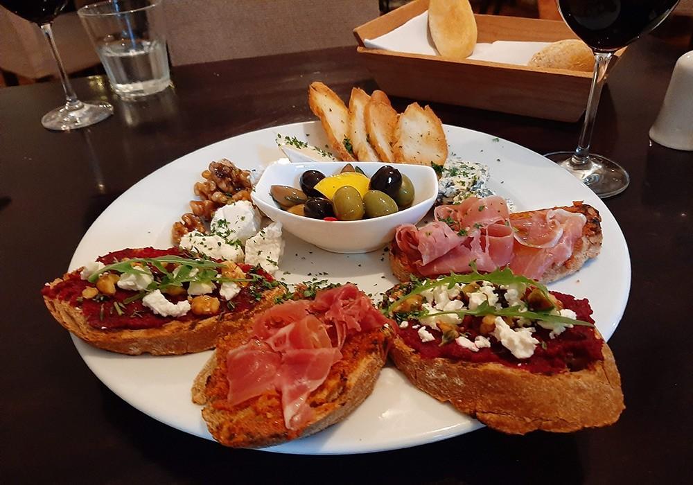 where to eat in Vilnius: Bistro 18