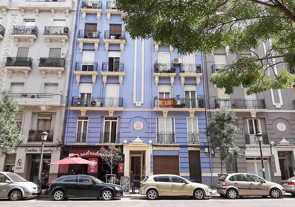 renting a place to live when moving to Spain
