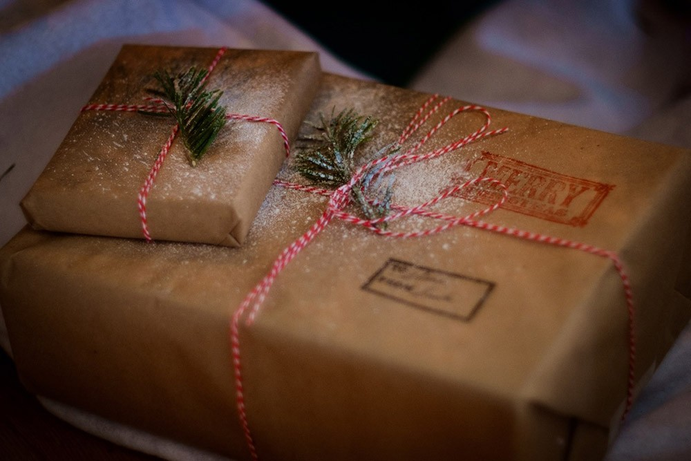 Spanish christmas traditions: gift giving