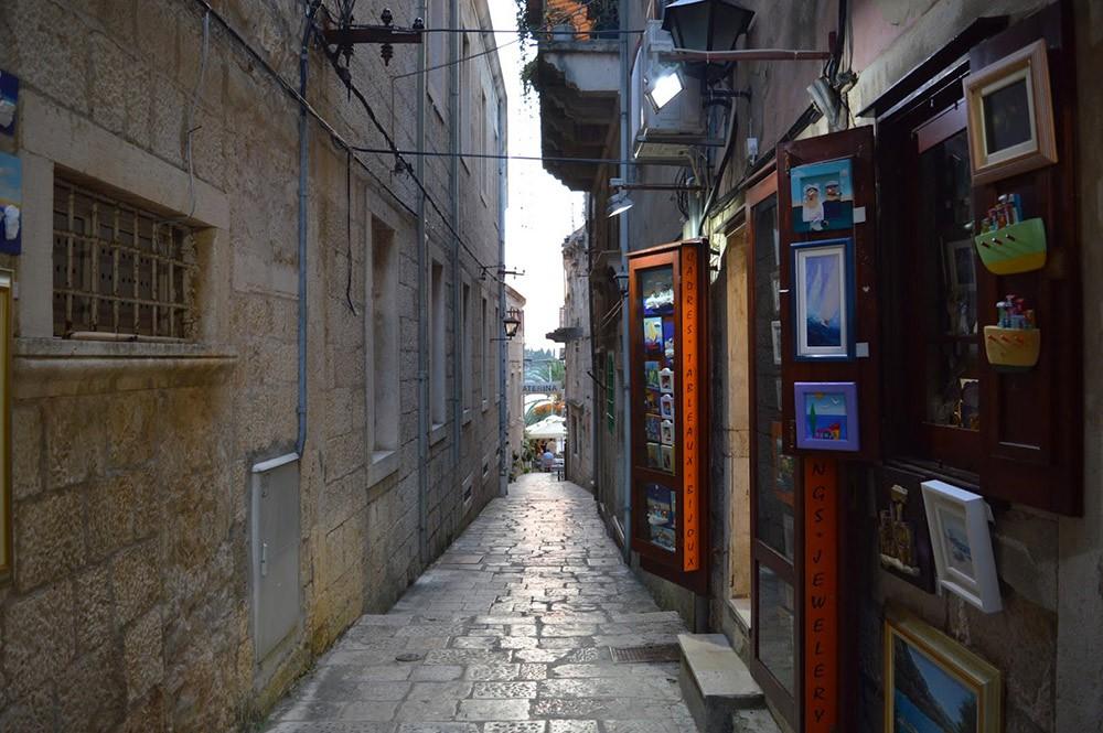 a narrow alley in Korčula, Croatia