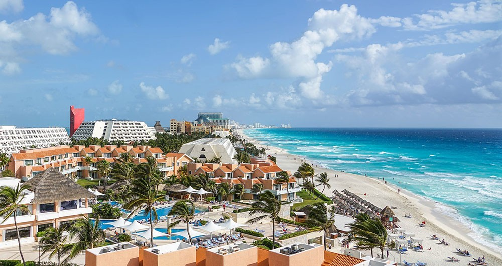 Cancun's popular beach resorts