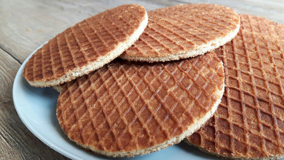 a plate of Dutch cookies called stroopwafels