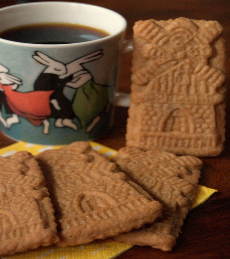 speculaas with coffee - the best Dutch food