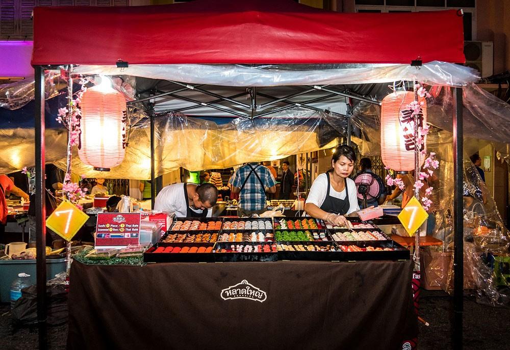 cheap street food in Thailand