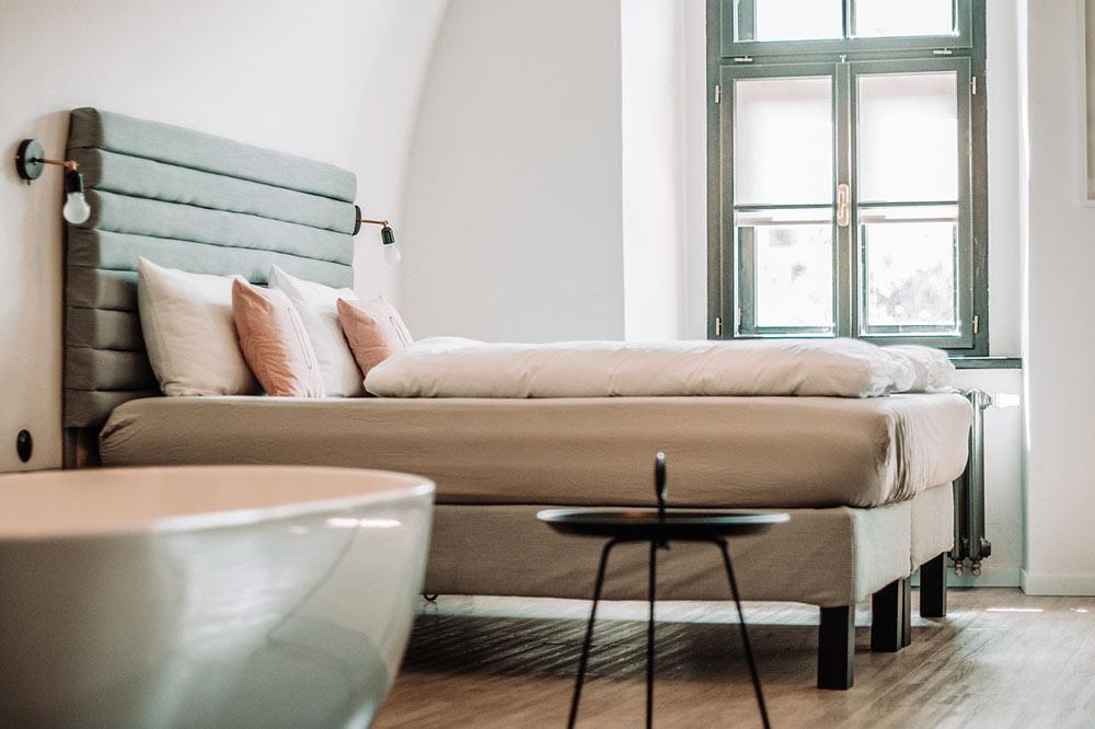saving money on accommodation